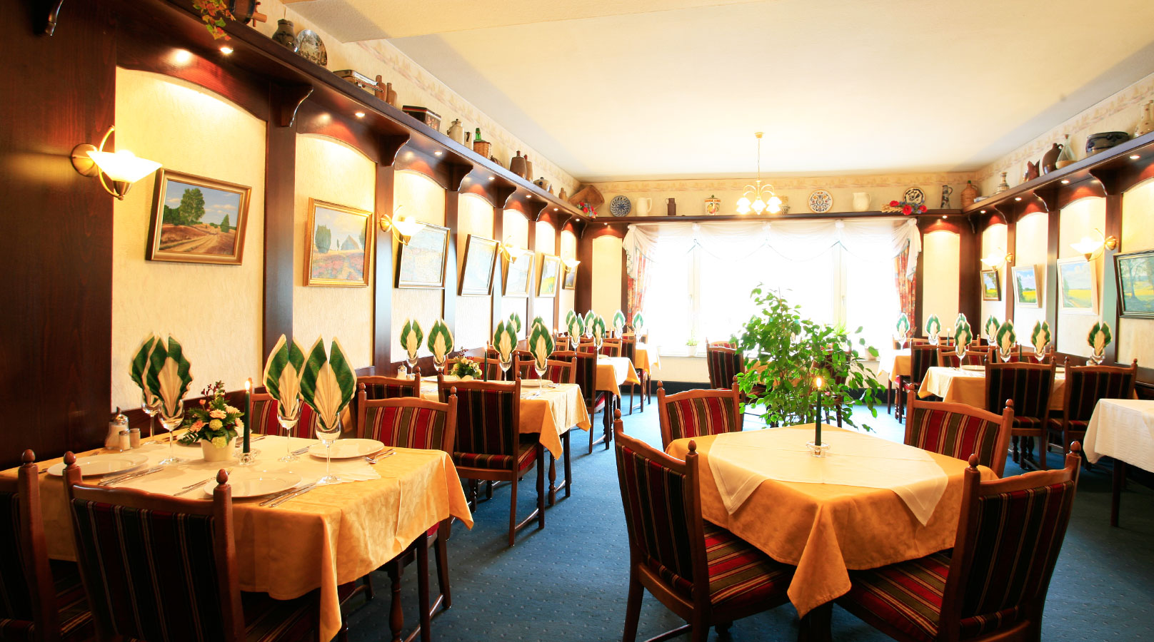 Auch unser Heidezimmer steht Ihnen als separates Restaurant zur Verfügung. Ideal für ein Essen à la carte oder eine kleinere Veranstaltung.